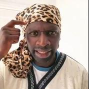 «Tout cela c'est pour faire rire les blancs»: Omar Sy accusé de racisme après une parodie de Doudou d'Aya Nakamura