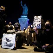 Nouvelles tensions en marge d'un rassemblement de soutien aux migrants à Paris
