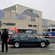 Allemagne : un homme percute en voiture le portail de la chancellerie