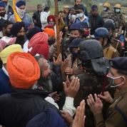 Inde : heurts entre la police et des agriculteurs mécontents des réformes