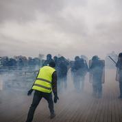 Strasbourg : peine réduite en appel pour un policier ayant matraqué une «gilet jaune»