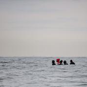 Manche : 45 migrants dont des enfants secourus en pleine mer