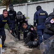 Thaïlande : cinq dirigeants pro démocratie accusés du crime de lèse-majesté