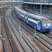 Une poutre de 400 tonnes s'écroule sur les voies du RER C, le trafic fortement perturbé