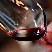 Face aux pressions de Pékin, les alliés de Canberra appellent à boire du vin australien