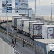 Brexit : les files de camions vers le Royaume-Uni s'allongent en France