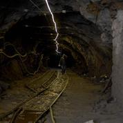 Chine : 23 personnes piégées dans une mine après une fuite de gaz