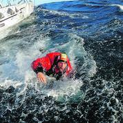 Vendée Globe: comment la Marine nationale a récupéré Kevin Escoffier