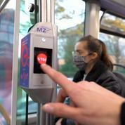 Saint-Quentin-en-Yvelines : la RATP teste un bouton d'arrêt holographique dans ses bus