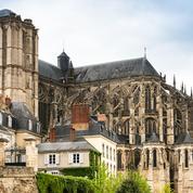 Sarthe : un prêtre jugé pour des agressions sexuelles sur plusieurs mineurs