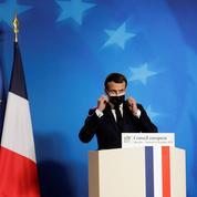 Covid-19 : Emmanuel Macron appelle les Français à «redoubler de vigilance» à Noël