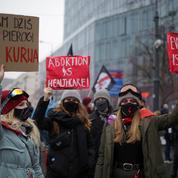 Pologne: manifestation à Varsovie pour l'avortement et contre les conservateurs