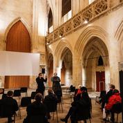 Pour dénoncer sa fermeture, un cinéma de Caen projette un film dans une église
