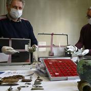 Comment les autorités franco-belges ont traqué l'un des plus grands pilleurs d'objets archéologiques