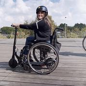 Paraplégique, elle invente un système pour motoriser son fauteuil avec une trottinette électrique