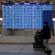 «C'est comme s'il n'y avait pas le Covid» : dans les aéroports et les gares, les voyageurs s'étonnent du peu de contrôle