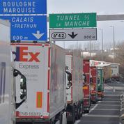 Routiers bloqués au Royaume-Uni: les liaisons franco-anglaises assurées à Noël