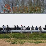 Calais : au réveillon de Noël, la justice autorise l'expulsion des migrants sous les ponts