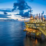 Le pétrole accélère, porté par l'accord de l'Opep+