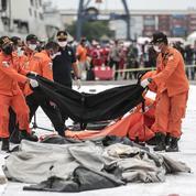 Le Boeing disparu en Indonésie s'est abîmé en mer
