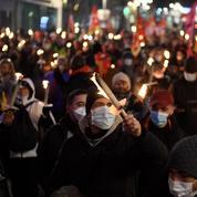 Des manifestants bravent le couvre-feu marseillais pour dénoncer la «casse sociale»