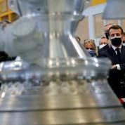 La France doit rester un «grand pays du spatial», dit Macron