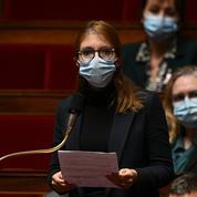 Séparatisme : les amendements de Bergé contre le port du voile pour les petites filles jugés «irrecevables»