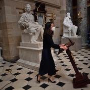 Le pupitre de Nancy Pelosi a réapparu au Capitole