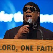 Stevie Wonder demande à Joe Biden de lancer une commission sur les inégalités raciales