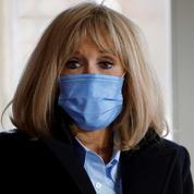 Brigitte Macron assure que «le président est excessivement sensibilisé» à la situation des étudiants