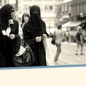 Suisse : l'initiative «antiburqa» part avec 63% d'avis favorables