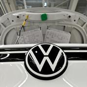 Covid-19 : le bénéfice de Volkswagen plonge de moitié en 2020