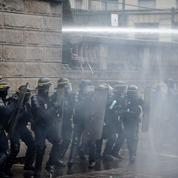 Après les émeutes aux Pays-Bas, les forces de l'ordre françaises sont sur leurs gardes
