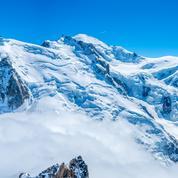 Que faire en montagne cet hiver ? Survoler le massif du Mont-Blanc, des sensations au sommet
