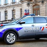 Sur les réseaux sociaux, policiers et gendarmes présentent leurs nouvelles voitures