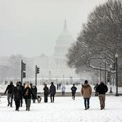 États-Unis : forte tempête de neige attendue au Nord-Est, Washington sous la neige