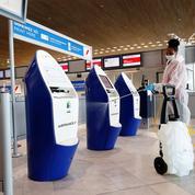 Aéroports : les faux tests PCR, casse-tête pour les compagnies et la police aux frontières