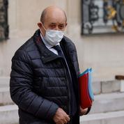 Vaccin Spoutnik V: «aucun blocage» en France s'il «correspond aux normes scientifiques», selon Le Drian