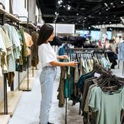 Les magasins de vêtements croulent sous les stocks : que vont-ils faire de leurs montagnes d'invendus ?