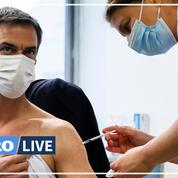 Coronavirus : le ministre de la Santé Olivier Véran s'est fait vacciner