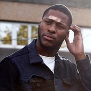 Théo, symbole des violences policières en France, publie un premier album