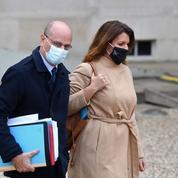 Séparatisme : Schiappa et Blanquer lancent une enquête sur les certificats d'«allergie au chlore»