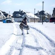 États-Unis : la vague de froid se poursuit, plus de 2 millions de foyers sans électricité
