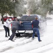 Au Texas, la vie quotidienne bouleversée par la vague de froid