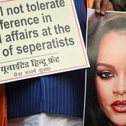 En Inde, la photo de Rihanna, seins nus et Ganesh autour du cou, ne passe pas