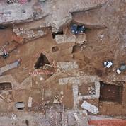 Demeures de l'élite romaine, deux riches domus découvertes près de la Maison Carrée à Nîmes