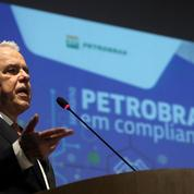 Brésil: Petrobras plonge en Bourse après l'«ingérence» de Bolsonaro