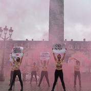 Deux Femen poursuivies pour exhibition sexuelle relaxées en appel