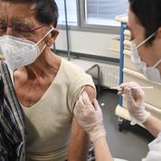 Covid-19: la vaccination ne suffira pas pour éviter un bond des hospitalisations