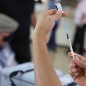 Covid-19: Paris fournira à Prague 100.000 doses de vaccin